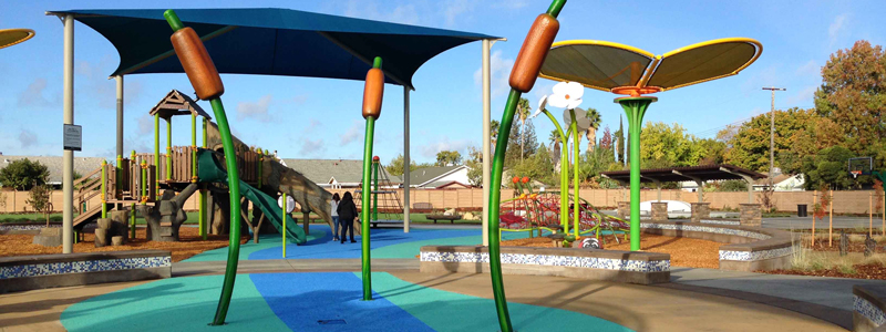 Image of Reed and Poppy Spray Park Features at Guerrero Park