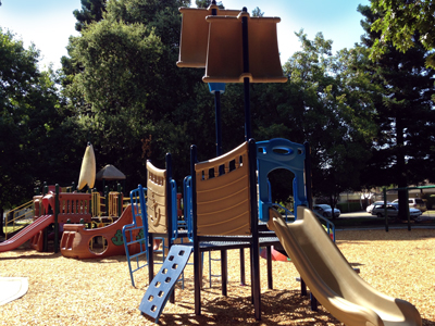 Portuguese Park Playground Tot Boat, Photo 1