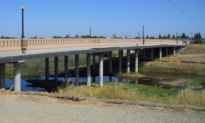 New bridge spanning Arcade Creek